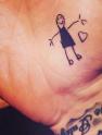 """贝克汉姆将女儿画作纹在手上 """"女儿奴""""曾婚内劈腿勾搭保姆信息量巨大"""