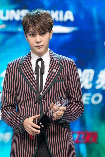 徐海乔演技获赞再拿奖 网友被他做的这件事笑哭