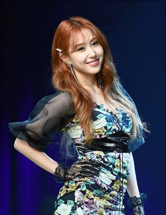 韩国女歌手IT'S第14张单曲《Don't be shy》发布会