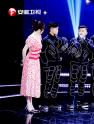 高科技广场舞酷炫登台,沈南与人工智能现场斗舞