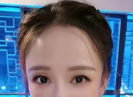 """陈乔恩晒怼脸自拍 模样却被粉丝质""""变了"""""""