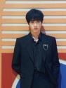 15岁的刘耀文又被年龄困住了,录制快本别人骑电动,刘耀文蹬三轮